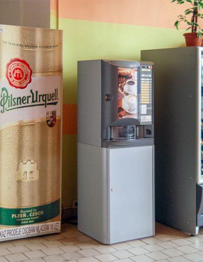 interiér ubytovny výdejní automaty